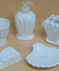 Set de accesorio de cerámica blanca